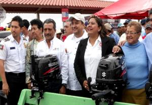 013014 entrega de motores ecológicos en Catazajá, Chiapas