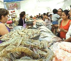 030914 A más de $100 kilos de pescado y marisco al inicio de Cuaresma en Chiapas